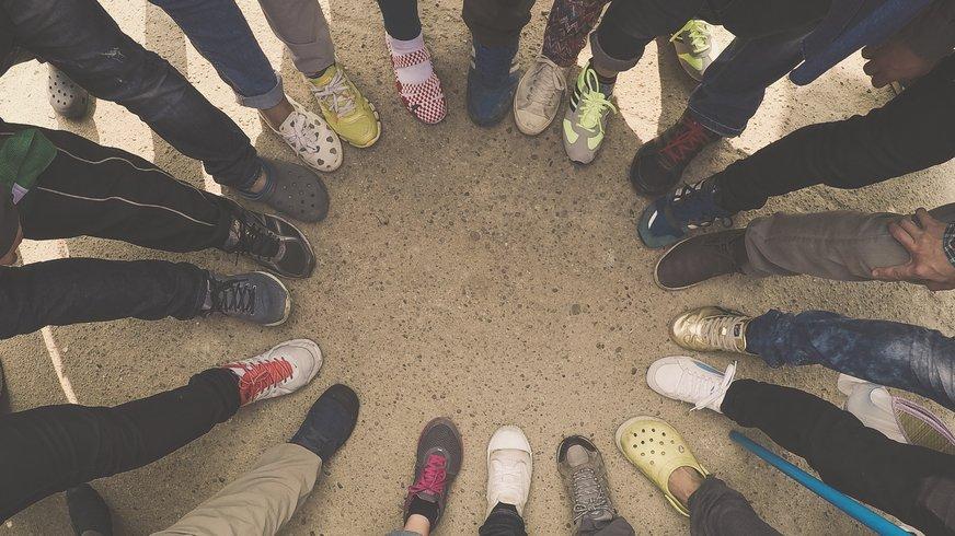 Teamwork, Füße im Kreis